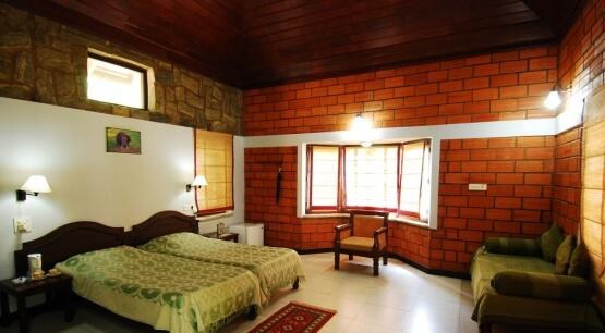ಕಬಿನಿ ರಿವರ್ ಲಾಡ್ಜ್, ಕಾರಪುರ.